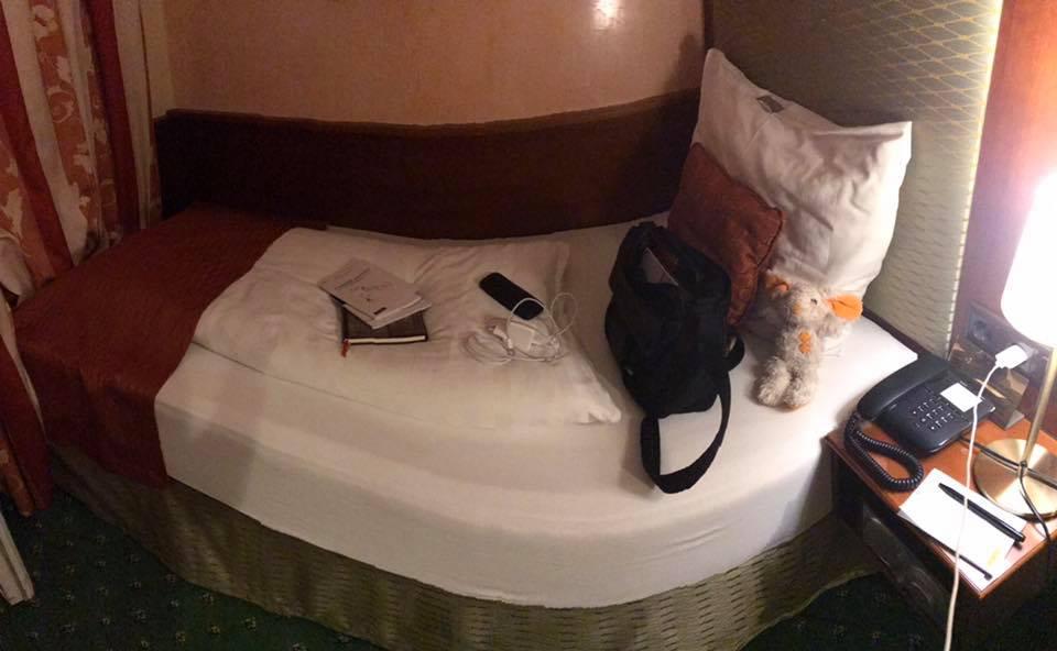 King Size Einzelbett im Hotel Park Villa in Wien
